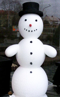 Снеговик из пенопласта №1