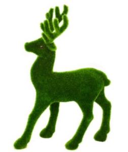 Фигура пугливого оленя сделанная из пенопласта
