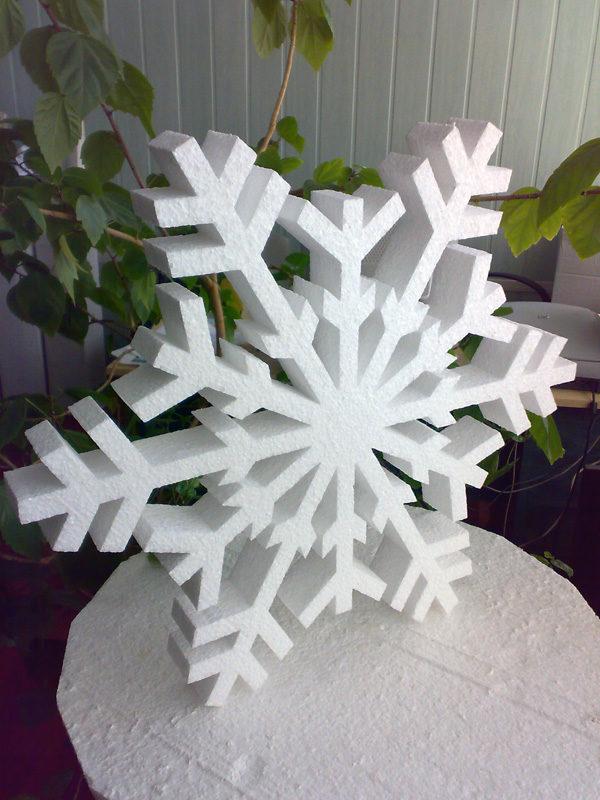 Снежинка сделанная из пенопласта 100х100х2см