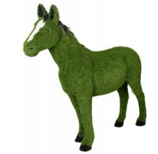 Лошадка сделанная из пенопласта с искусственной травой