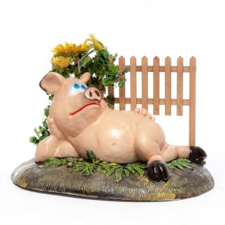 Фигура Свинка у забора №1