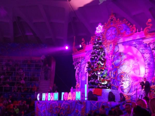 Большая новогодняя сцена из пенопласта
